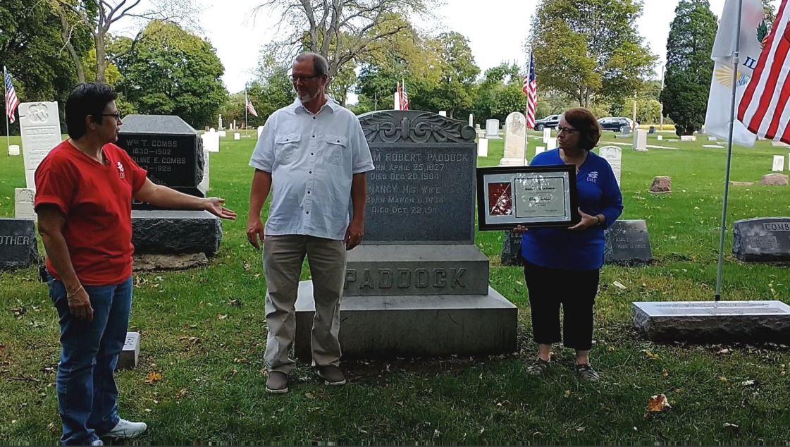 C:\Users\Vern\Pictures\2020\2020-09-16 DAR Award Fort Hill Cemetery\2020-09-16 DAR Award, Pam Holmes, Vern Paddock, Diane Eubanks (1) 1.JPG